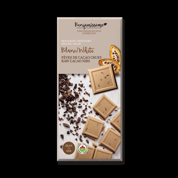 شوكولاته بيضاء مع قطع الشوكلاته الخام بينجاميسمو